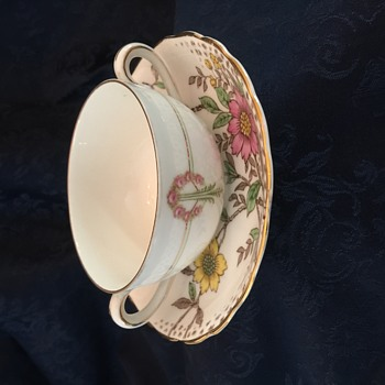 Lovely Mystery Teacup Set - Can anyone help? - China and Dinnerware