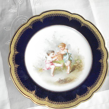 A wonderful porcelain plate - China and Dinnerware