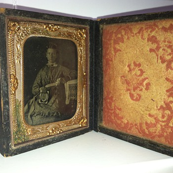 Old daguerreotype found in storage. No idea who it is of, is it worth anything. - Photographs
