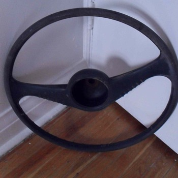 Old steering wheel. - Classic Cars