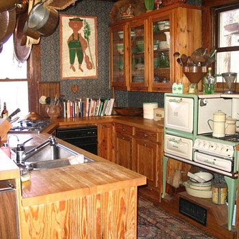"Little old gas stove on legs - a ""summer kitchen?"" - Kitchen"