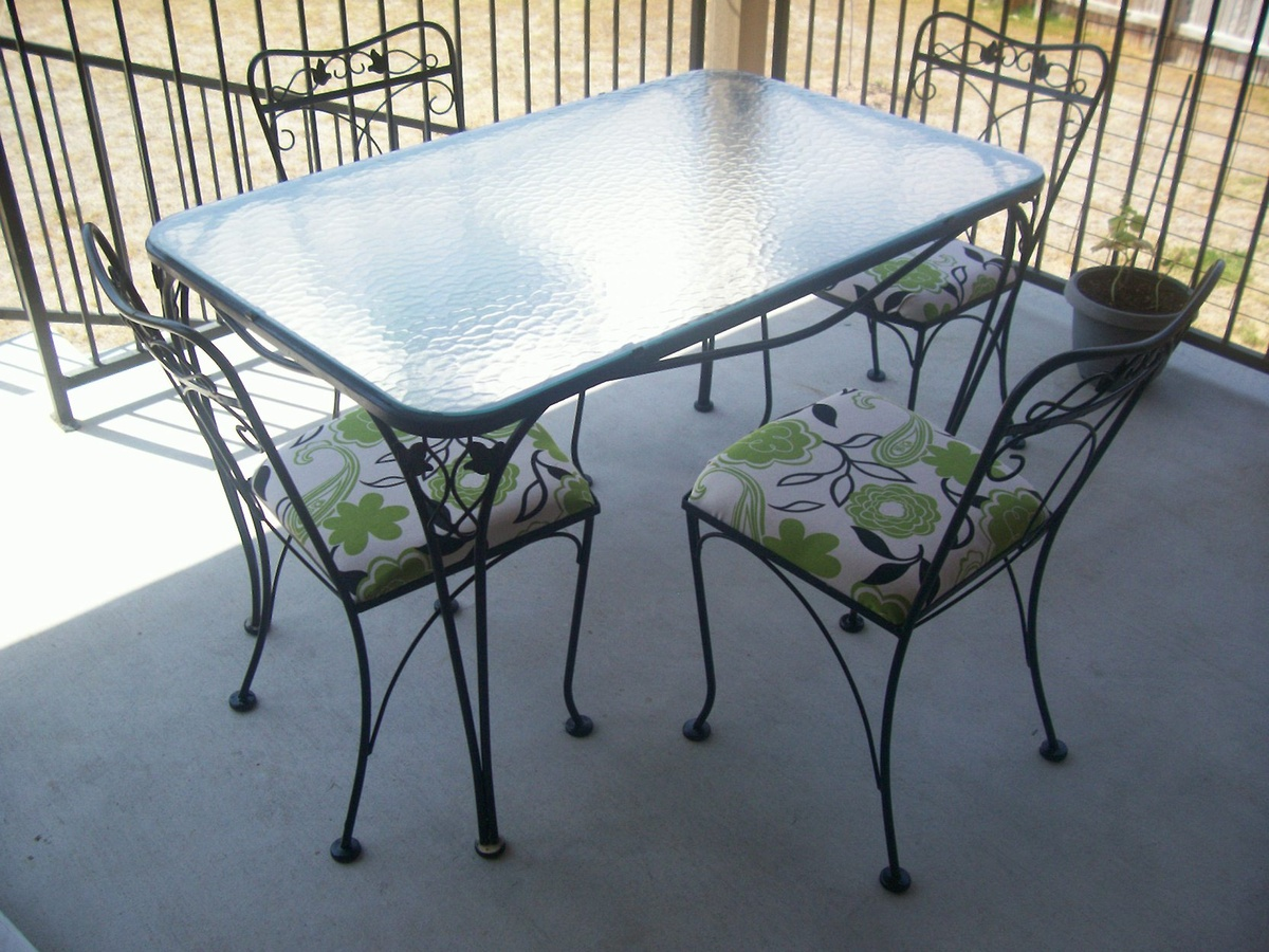 Wrought iron patio chairs vintage - 5 Piece Wrought Iron Patio Table And Chairs Collectors Weekly