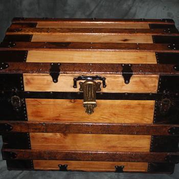 Refinished standard steamer trunk 1890's - custom order - Furniture