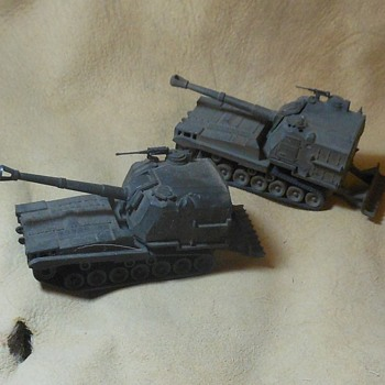 Roco Mini-Tanks M-55 Self Propelled 203mm Guns 1/87th Scale - Military and Wartime