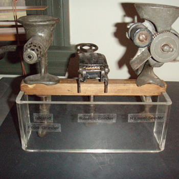 (2) Raisin Seeders & an invalid food grinder - Kitchen