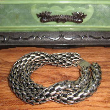 1950's or 60's Napier bracelet and clip earrings w/celluloid jewely box - Costume Jewelry
