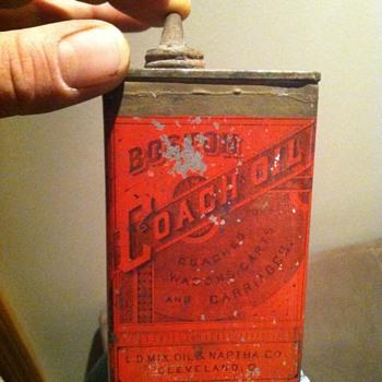 L.D.Oil mix & naptha co. / boston coach oil can - Petroliana