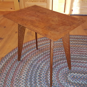 Peg construction table - Furniture