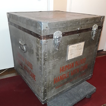 old U.S. DEPT. of DEFENSE (and/or American Red Cross) HUMAN BLOOD transport cooler/case  - Advertising