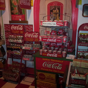 1940's Coca-Cola Display Rack & Lincoln Truck - Coca-Cola