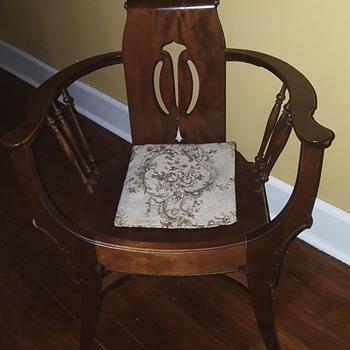 U shaped chair