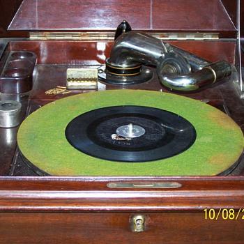 Victor Victorola  - Records