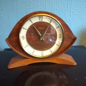 Tempus Fugit..Kienzle German made mantle clock manual wind wood, brass and glass fully working