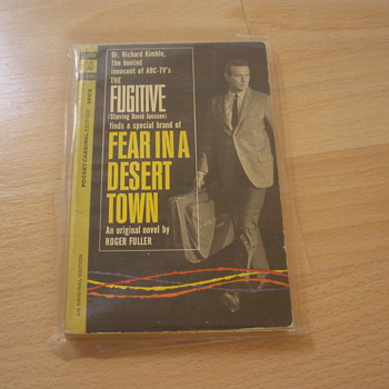 THE FUGITIVE FEAR IN A DESERT TOWN 1963 - Books