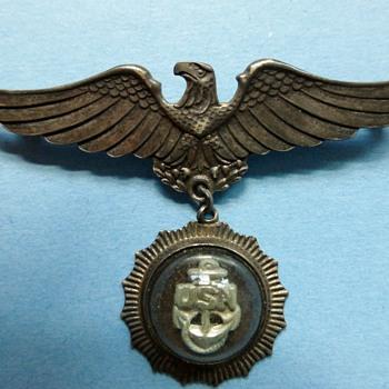 WW II Navy Wife Pin