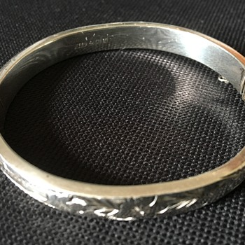 Silver bangle  - Silver