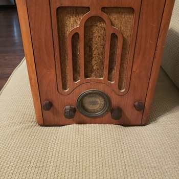 A Fiver! - Radios