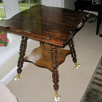 Parlor Table ????? - Furniture