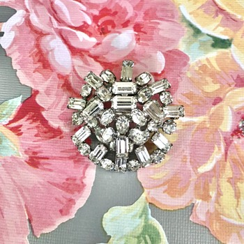 Schreiner Signed Vintage Clear Rhinestone Brooch - Costume Jewelry