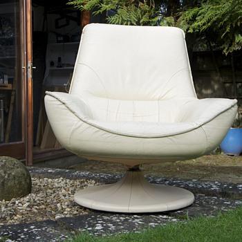 Retro Leather Swivel Arm Chair - Furniture