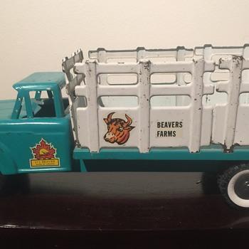 Li'l Beaver Stake Truck  - Model Cars