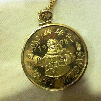 1978 coca cola Santa and present pendent - Christmas