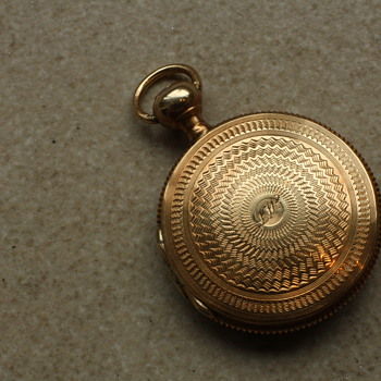 14 carat gold pocketwatch-style locket - Fine Jewelry