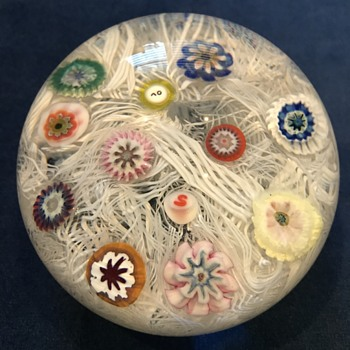 Art glass paperweights by Strathearn - Art Glass