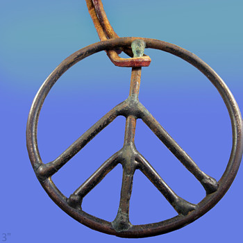 "1960's Haight Ashbury Street Vendor 3"" Peace Symbol Pendant - Costume Jewelry"