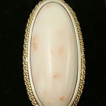 OVER THE TOP 18KT ANGEL SKIN CORAL RING