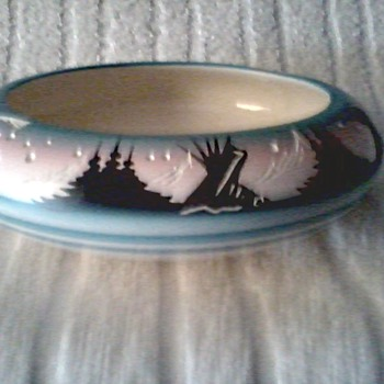 "Navajo ""Hozoni"" Native American Pottery / Seed Bowl Hand Painted and Signed with Incised Details/ Circa 19 ?? - Native American"