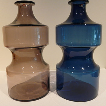 A PAIR OF 2518 TIMO SARPANEVA i-linja VASES  - Art Glass