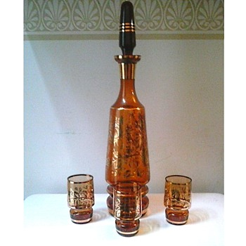 Bohemian Amber Glass Decanter And Glasses/ 24K Gilt Rose Design /Circa 1950-60 - Bottles