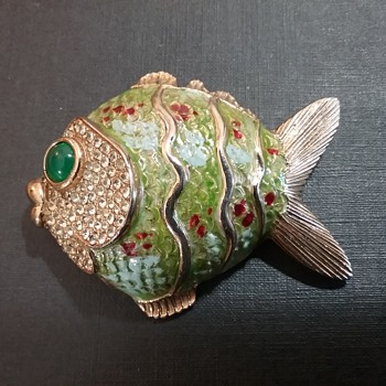 Les Bernard fish brooch  - Costume Jewelry