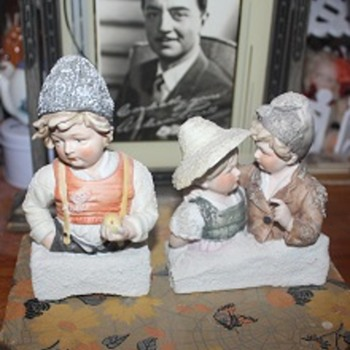 Antique Galluba and Hofmann Blue Snow Bisque Busts - Figurines