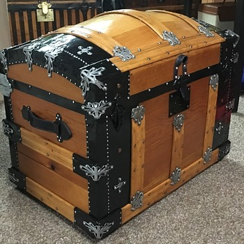 Early 1880's Martin Maier Trunk. - Furniture