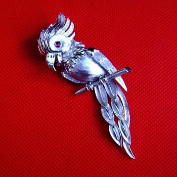 Crown Trifari Parrot Brooch - Birds Of Fashion - Costume Jewelry
