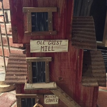 Great Birdhouse but by whom - Folk Art