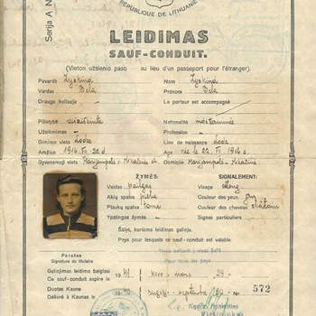 important WW2 Jewish refugee travel document/passport