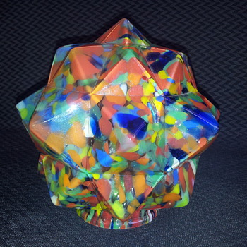 Czech end of day star shade. - Art Glass