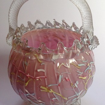 Victorian mauve - pink Peloton glass basket with rope twist handle - Art Glass
