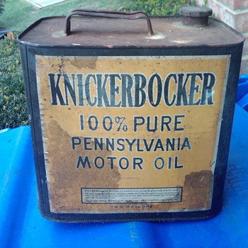 KNICKERBOCKER MOTOR OIL CAN...NEED APPROX AGE AND VALUE