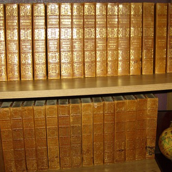 CHARLES DICKENS LIMITED EDTION #926/1000 COPIES - Books