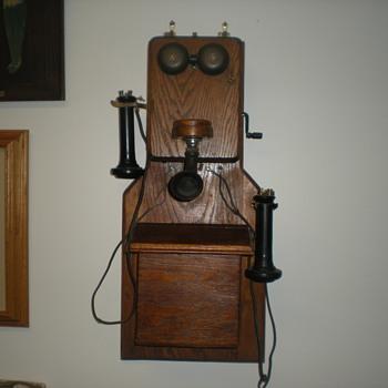 Unusual  Kellogg Wooden Wall Phone - Telephones