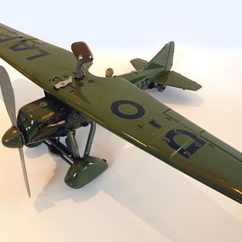 Tippco pre-WW2 tinplate windup toy aircraft (Germany)  - Toys