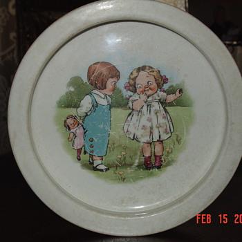 1915 Campbell Kids Soup Bowl By Buffalo Pottery - Pottery
