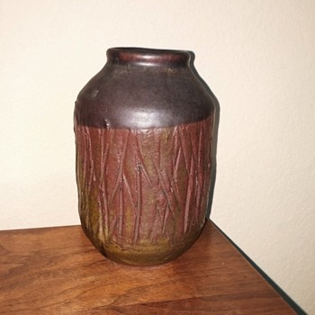 """Pottery vase signed """"Sowell 67"""" do you know this artist?"""