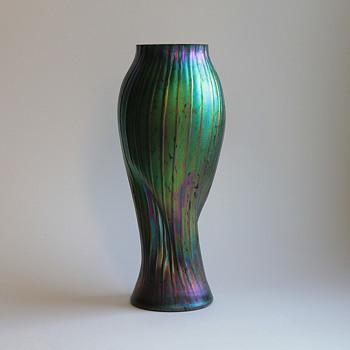 Rindskopf spiral form ribbed vase - Art Glass