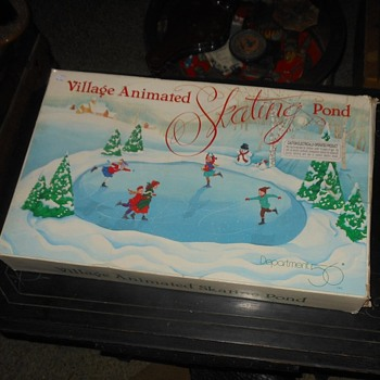 Department 56 Animated Skating Pond - Christmas