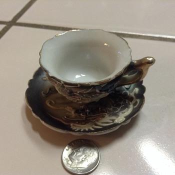 Small Dragon teacup and saucer - Asian